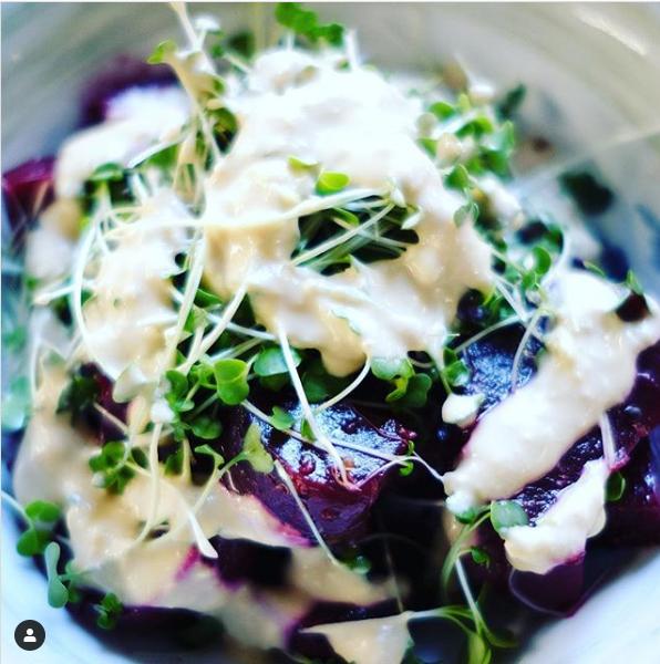 Mikro Yeşilli Pancar Salatası